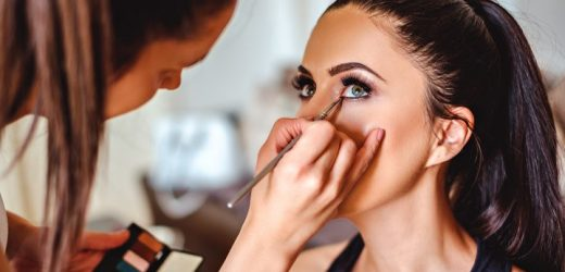 Secret Makeup Methods For Applying Makeup Professionally!