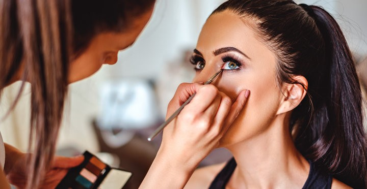 Secret Makeup Methods For Applying Makeup Professionally!